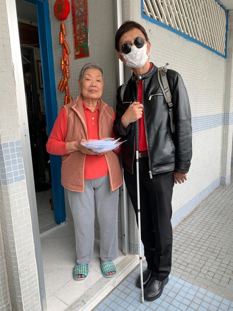 PoDs colleague visit the elderly