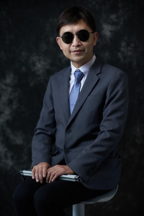 慧·融裁,黃錦豪先生
